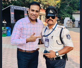 ट्रैफिक अधिकारी रंजीत सिंह से मिले वीवीएस लक्ष्मण, बांधे तारीफों के पुल