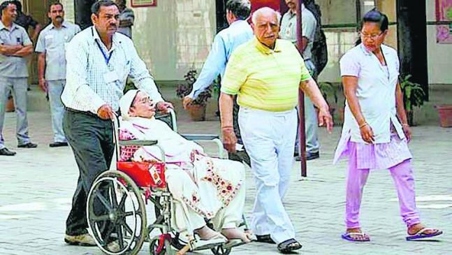 80 साल से अधिक उम्र के बुजुर्गोंको मिलेगी डाक मतपत्र की सुविधा