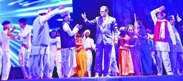 खासदार महोत्सव : भव्य मंच पर दिखा डॉ. बाबासाहब आंबेडकर का जीवन