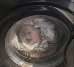 वॉशिंग मशीन में बच्चे को देख निकली पिता की चीख, सच पता चला तो आई जान में जान