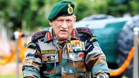 बिपिन रावत बने देश के पहले CDS, सैन्य अभियान में तीनों सेनाओं के बीच बैठाएंगे तालमेल