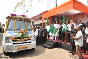 मुंबई में सड़क पर घूमते अस्पतालों में होगा पेट की बीमारियों का इलाज, मुख्यमंत्री ने किया उद्धाटन