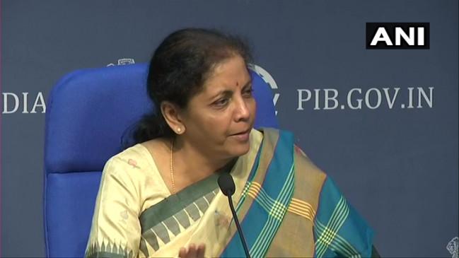 वित्त मंत्री ने कहा- कई जगहों पर कम हुए प्याज के दाम, राहुल गांधी पर साधा निशाना