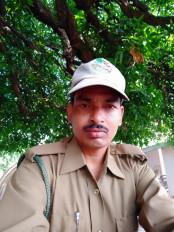 मौत को मात देकर वन रक्षक कान्हा के कोर में कर रहा ड्यूटी - वन्यप्राणियों से बेहद प्यार