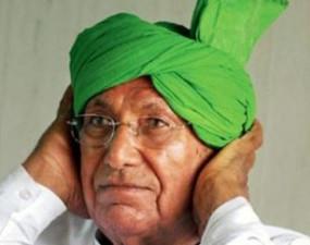 हरियाणा: पूर्व CM ओम प्रकाश चौटाला के फार्म हाउस पर ED ने मारा छापा