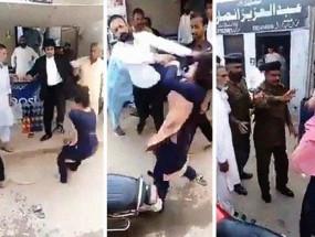 Fake News: हिंदू होने के कारण पाकिस्तान में महिला को सरेआम पीटा गया?