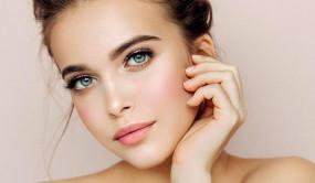 सिर्फ स्वास्थ्य के लिए ही नहीं, चेहरे के रंगत सुधारने के लिए भी करें गर्म पानी का सेवन