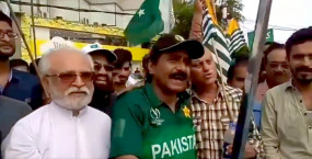 इमरान खुद देख लें, देश में क्रिकेट का उन्होंने क्या हाल कर दिया : मियांदाद
