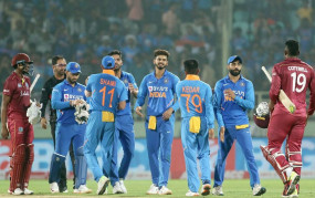 भारत ने विंडीज को 107 रन से हराया, कुलदीप की हैट्रिक, रोहित-राहुल का शतक