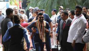 IND VS WI: भारत और वेस्टइंडीज के खिलाड़ी तीसरे वनडे मैच के लिए ओडिशा पहुंचे