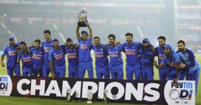 भारत ने विंडीज से जीती लगातार 10वीं सीरीज, तीसरे वनडे में 4 विकेट से हराया