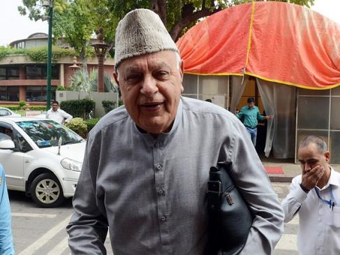 जम्मू-कश्मीर: तीन महीने और हिरासत में ही रहेंगे फारूक अब्दुल्ला, 5 अगस्त से हैं नजरबंद