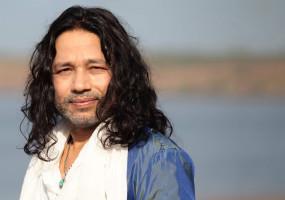 दिल्ली में राजनीतिक भ्रष्टाचार के खिलाफ कैलाश खेर का गाना