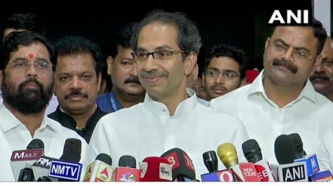 CM उद्धव का बड़ा ऐलान- आरे प्रदर्शनकारियों के खिलाफ केस होंगे वापस