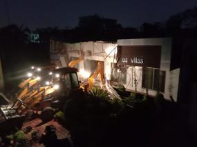 शताब्दीपुरम स्थित स्टार पार्क में प्रशासन की बड़ी कार्यवाही, अवैध निर्माण किया ध्वस्त