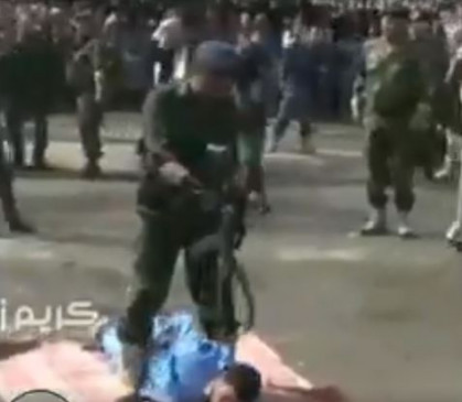 Fake News: यमन के दुष्कर्म के आरोपी को सार्वजनिक मौत का वीडियो दुबई का बताकर वायरल