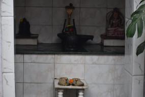 ग्रहण निकलने के घंटे भर बाद खुले मंदिरों के पट, कल शाम से ही बंद कर दिए गए थे
