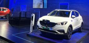 MG Motor ने पेश की इलेक्ट्रिक एसयूवी ZS, सिंगल चार्ज में देगी 340 किमी की रेंज