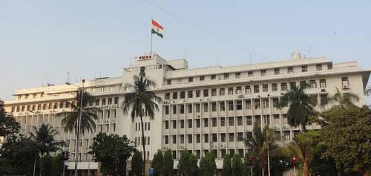 मंत्रियों में शुरु हुई मंत्रालय में केबिन हथियाने की होड़, पाटील के कार्यालय पर शिंदे का कब्जा