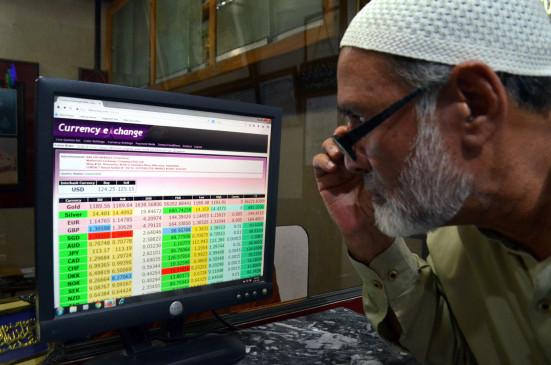पाकिस्तान : टैक्स रिटर्न नहीं भरने वालों का कटेगा बिजली व गैस कनेक्शन