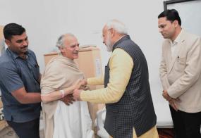 अस्पताल में पूर्व केंद्रीय मंत्री अरुण शौरी का हाल जानने पहुंचे पीएम मोदी