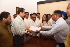 मुंबई कांग्रेस की अगुवाई में मुख्यमंत्री से मिले पीएमसी खाताधारक