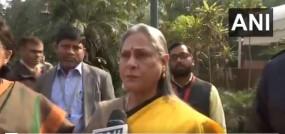 हैदराबाद/उन्नाव: पत्रकारों से बोलीं जया बच्चन- कहीं मैं आपको पकड़ के ना मार दूं