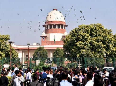 CAA पर कल SC में होगी सुनवाई, CJI बोले- कानून को हाथ में नहीं ले सकते छात्र