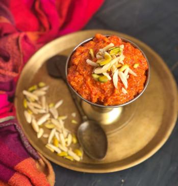 ठंड में खाएं गरमा गर्म गाजर का हलवा, ऐसे बनाएं