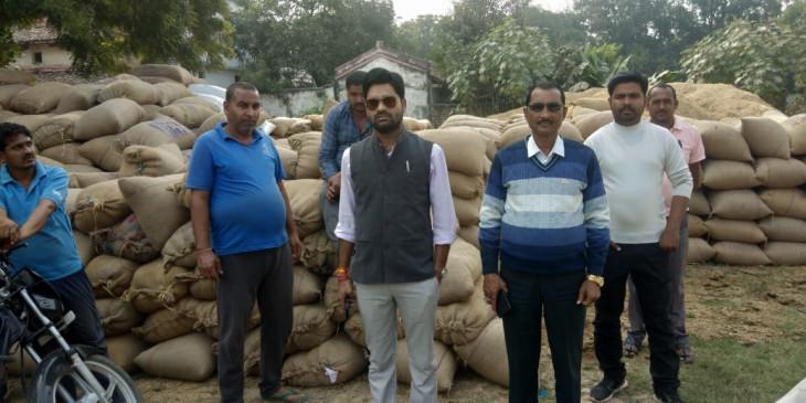 सरकारी वारदाानों में भरी दो हजार बोरी अवैध धान पकड़ी गई