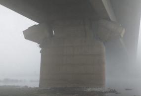 UP: चंदौली के कर्मनाशा ब्रिज में पड़ी दरारें, सुरक्षा के लिए रोका गया यातयात