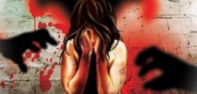 यूपी: अब मुजफ्फरनगर में गैंगरेप पीड़िता पर हमला, तेजाब फेंककर जलाया