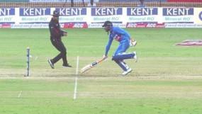 INDvsWI: जडेजा के रन आउट पर अंपायर से खफा हुए कोहली, बोले-पहले क्रिकेट में ऐसा कभी नहीं देखा