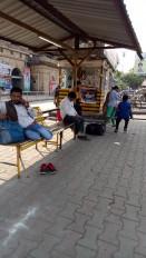 भारत बंद का असर : रेलवे स्टेशन और बस स्टैण्ड पर यात्री हलाकान