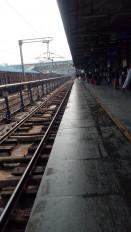 नागपुर रेलवे स्टेशन का प्लेटफार्म नंबर एक बंद, यात्रियों को अजनी के लिए दौड़ लगानी पड़ रही