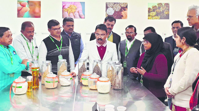 गोंदिया-भंडारा के धान उत्पादक पहुंचे वाराणसी के धान संशोधन संस्था, वैश्विक बाजार की ली जानकारी