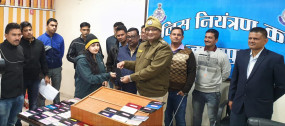 जबलपुर पुलिस द्वारा गुमे हुए 122 मोबाईल तलाश कर धारको को वापस किये गए