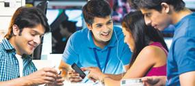 50 करोड़ भारतीय के पास स्मार्टफोन, 77 प्रतिशत करते हैं इंटरनेट का प्रयोग