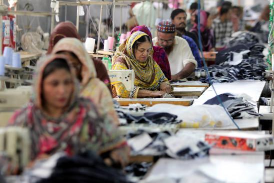 पाकिस्तान में 79 फीसदी लोग अर्थव्यवस्था को लेकर निराश : सर्वे