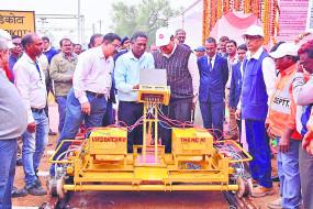 नए निर्माणों का निरीक्षण, ट्रैक पर 120 किमी प्रतिघंटा रफ्तार से ट्रेन दौड़ाकर देखा