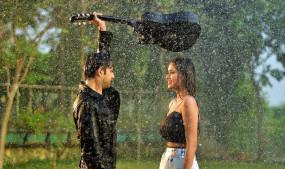 रोमांटिक गाने के वीडियो में दिखे अभिनेता वत्सल सेठ