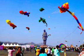 अहमदाबाद पतंग महोत्सव : करोड़ों का व्यवसाय और लाखों लोगों की आय का जरिया