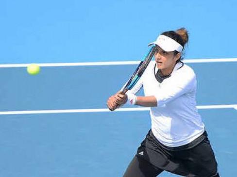 Australian open: चोट के कारण टूर्नामेंट से बाहर हुईं सानिया, पहले राउंड का मैच बीच में छोड़ा