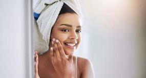 Beauty: सर्दियों में त्वचा हो गई है बेजान...मलाई, शहद, दूध और केले से रखें इसका ध्यान