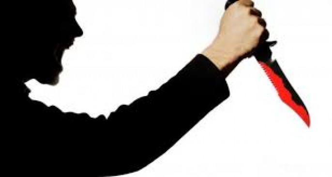 बिहार: सनकी आदमी ने पत्नी-बेटे का गला काटा, बेटी का गला दबाया, मौत