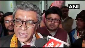 पश्चिम बंगाल: CAA पर लेक्चर देने पहुंचे BJP सांसद का छात्रों ने किया विरोध, खुद को कमरे में बंद करना पड़ा