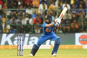 हेमिल्टन टी-20 में धोनी को पीछे छोड़ने उतरेंगे कप्तान कोहली