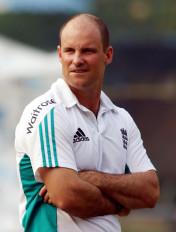 सिर्फ नाम के लिए टेस्ट क्रिकेट में बदलाव खतरनाक होगा : स्ट्रास