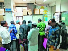 सीएए-एनआरसी से बढ़ी जन्म प्रमाणपत्र निकालने वालों की भीड़, मनपा के पास नहीं मिल रहा रिकार्ड