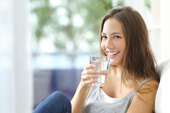Health: खाना खाने के तुरंत बाद न पिएं पानी, रहे स्वस्थ्य और निरोग